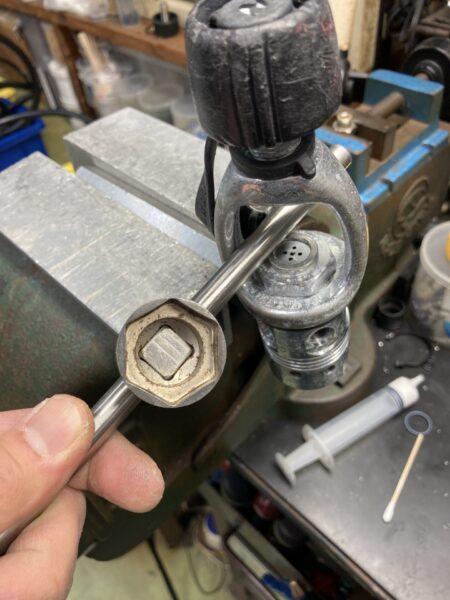 カリプソ ヨークリテイナー 取り外し工具
